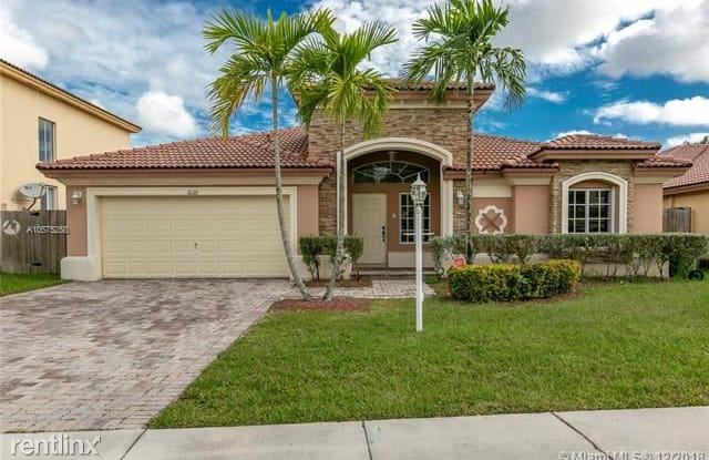 1023 NE 35th Ave - 1023 Northeast 35th Avenue, Homestead, FL 33033