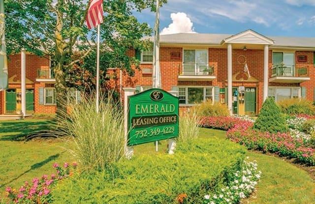 Emerald Apartments - 940 Presidential Blvd, Toms River, NJ 08753