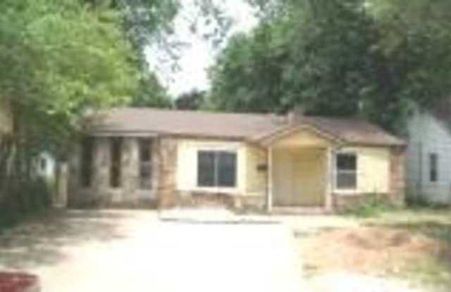 1421 East Seminole Street - 1421 East Seminole Street, Springfield, MO 65804