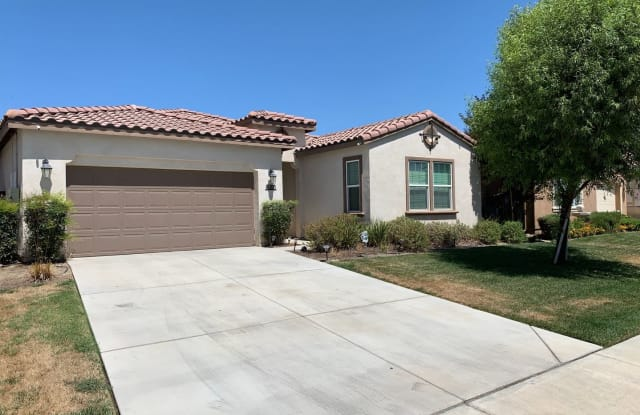 6000 Grizzly Peak Dr - 6000 Grizzly Peak Drive, Bakersfield, CA 93311