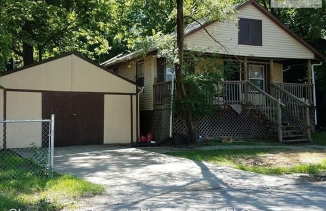 8303 Lydia Ave - 8303 Lydia Avenue, Kansas City, MO 64131
