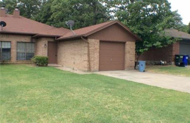 320 Lochridge Drive - 320 Lochridge Drive, Azle, TX 76020