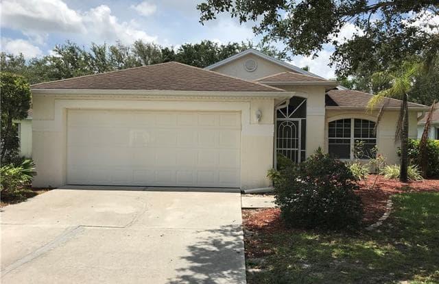 9261 Middle Oak DR - 9261 Middle Oak Drive, Three Oaks, FL 33967