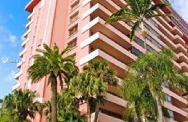 5225 Collins Ave - 5225 Collins Avenue, Miami Beach, FL 33140