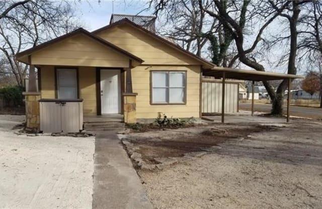 201 Elm Street - 201 Elm St, Clyde, TX 79510