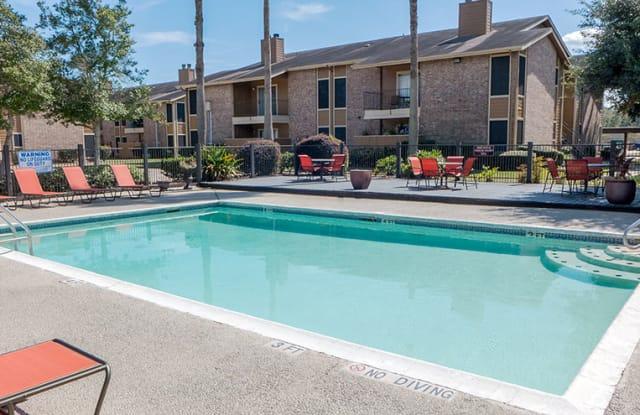 Oakwood Village - 1521 N 37th St, Orange, TX 77630