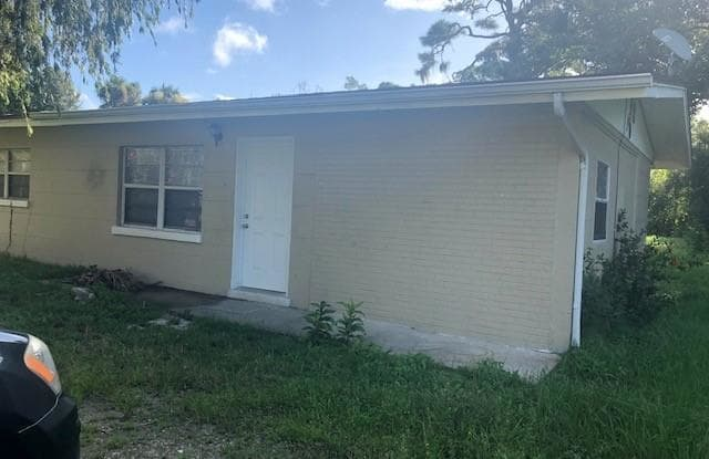 1620 Beachwood DR - 1620 Beachwood Drive, North Fort Myers, FL 33903