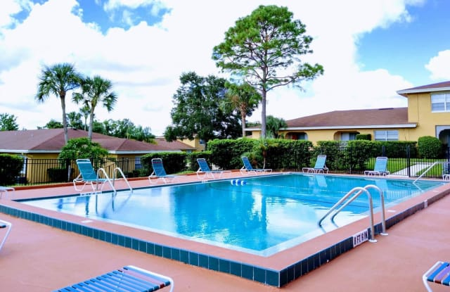 Villa Del Mar - 500 Sabal Palm Circle, Altamonte Springs, FL 32701