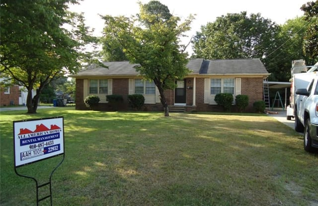 469 WATERBURY Drive - 469 Waterbury Drive, Fayetteville, NC 28311