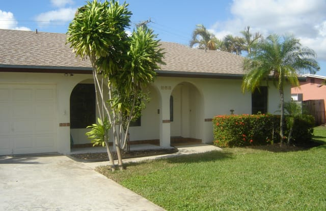 676 Audubon Boulevard - 676 Audubon Boulevard, Delray Beach, FL 33444
