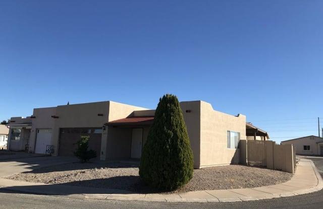 847 FOUR WINDS Circle - 847 Four Winds Cir, Sierra Vista, AZ 85635