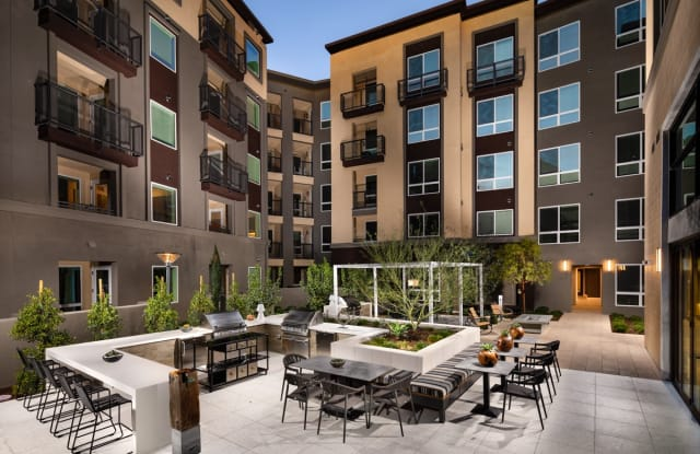 Clarendon Woodland Hills - 22121 Clarendon St, Los Angeles, CA 91364
