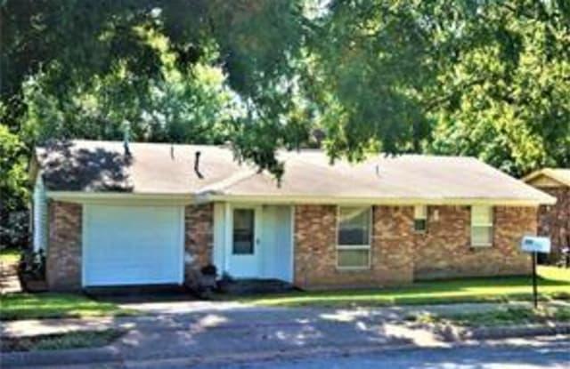 2636 Loy Lake Road - 2636 Loy Lake Road, Denison, TX 75020
