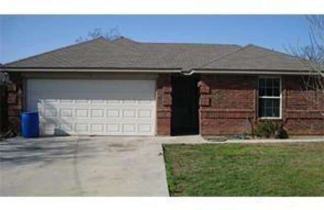 1307 Henderson Street - 1307 Henderson St, Bridgeport, TX 76426