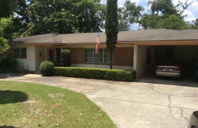 1040 SW 11th St SW 11th Street - 1040 Southwest 11th Street, Gainesville, FL 32601