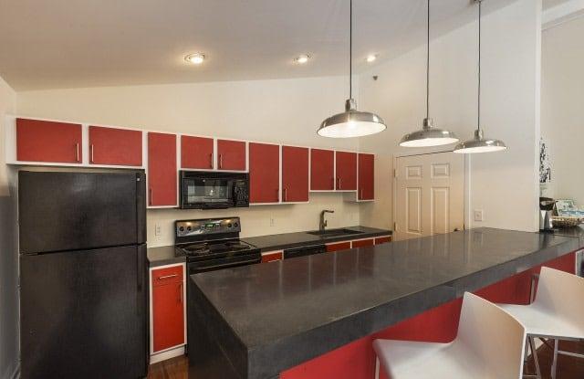 Pinebrook Apartments - 3650 Tates Creek Rd, Lexington, KY 40517