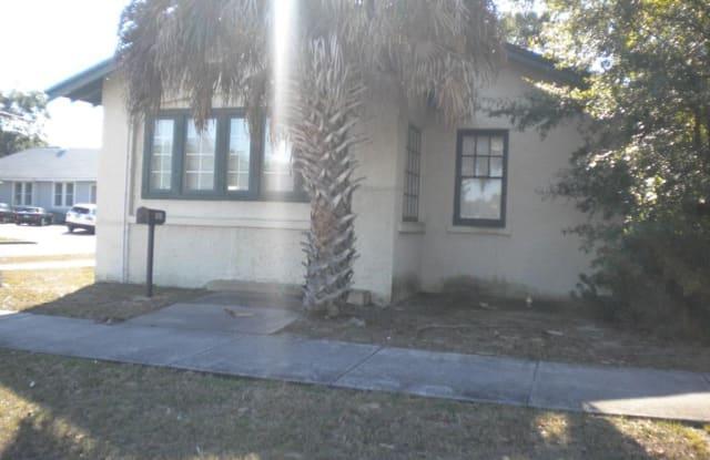 1601 W GARDEN ST - 1601 West Garden Street, Pensacola, FL 32502