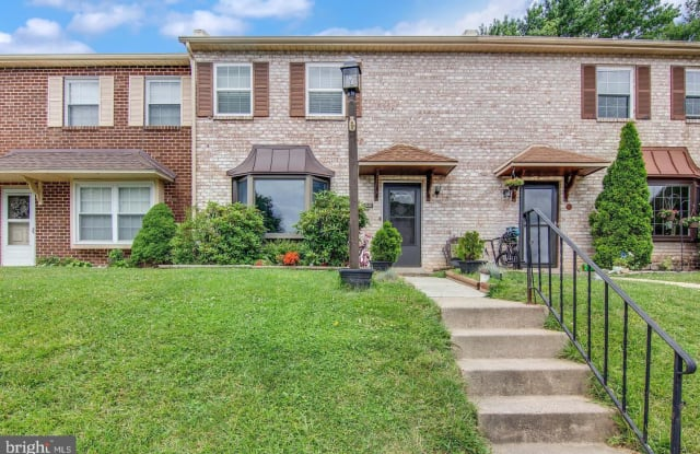 306 KIDWELLY COURT - 306 Kidwelly Court, Lionville, PA 19341