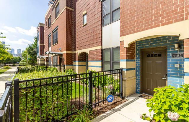1152 North HUDSON Street - 1152 N Hudson Ave, Chicago, IL 60610