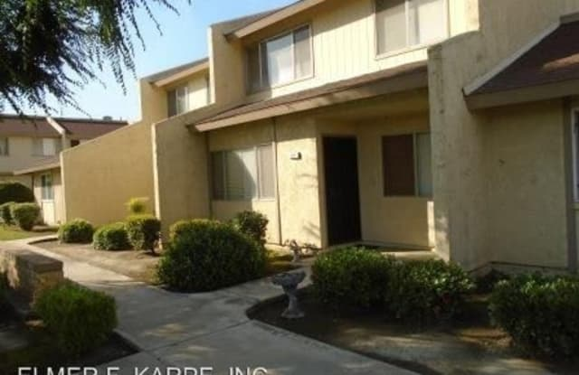 930 OLIVE DR., #13 - 930 Olive Drive, Oildale, CA 93308
