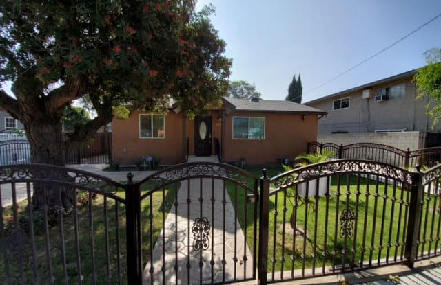 8420 2nd St - 8420 2nd Street, Paramount, CA 90723