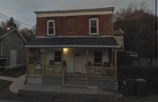 49 Orrs Mills Road - 49 Orrs Mills Road, Salisbury Mills, NY 12577