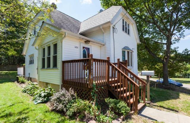 1474 Preston Avenue - 1474 Preston Avenue, Akron, OH 44305