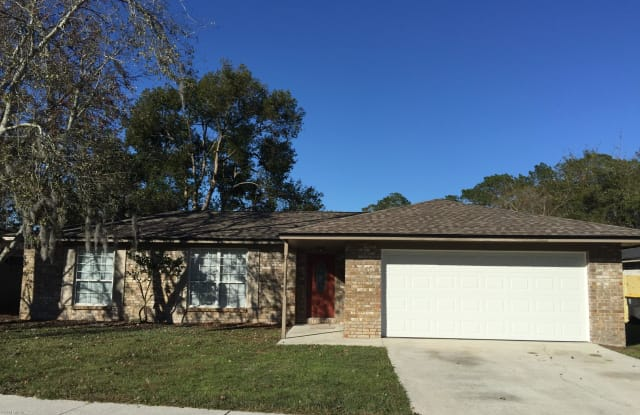 5571 LOFTY PINES CIR S - 5571 Lofty Pines Circle South, Jacksonville, FL 32210
