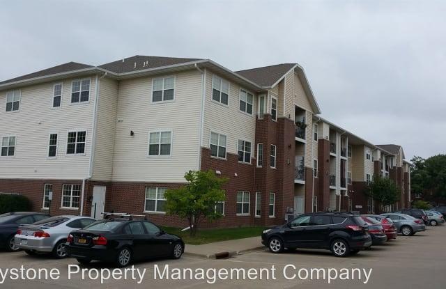620 Grandview Court - 620 Grandview Ct, University Heights, IA 52246