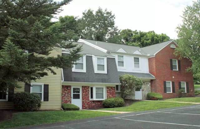 The Village of Laurel Ridge and The Encore Apartments & Townhomes - 399 Ringneck Dr, Harrisburg, PA 17112