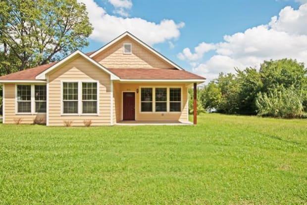 931 W Walker Street - 931 West Walker Street, Denison, TX 75020