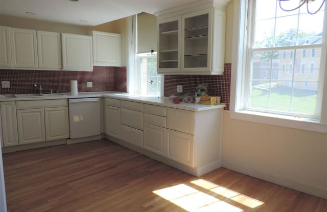 196 Water Street - 196 Water St, Exeter, NH 03833