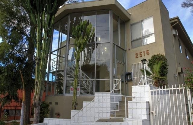 2515 Ocean View Avenue - 2515 Ocean View Avenue, Los Angeles, CA 90057