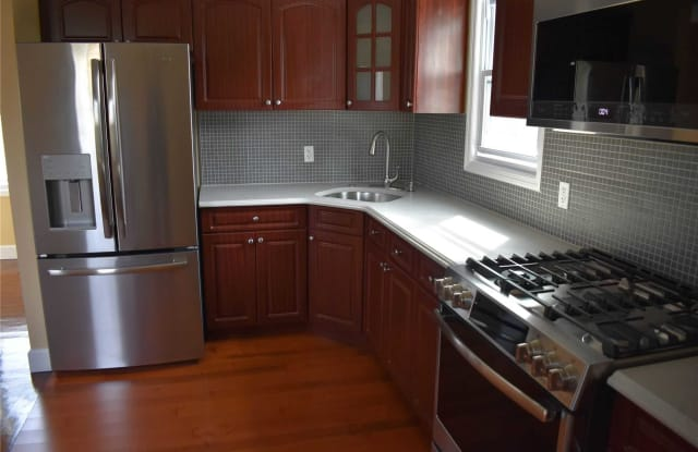 17302 109th Ave - 17302 109th Ave, Queens, NY 11433