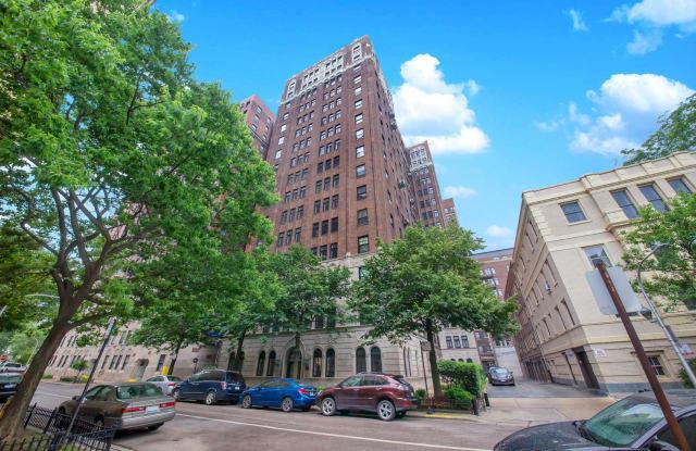 415 West Aldine Avenue - 415 West Aldine Avenue, Chicago, IL 60657
