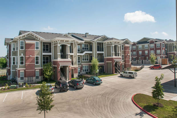 Ten Oaks - 12612 N Lamar Blvd, Austin, TX 78753