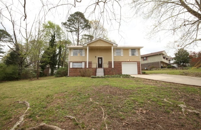 1657 3rd Pl NW - 1657 3rd Place Northwest, Center Point, AL 35215