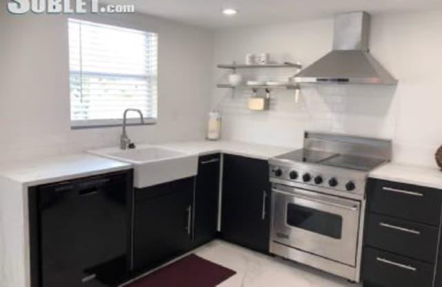 427 Sw 7 Street - 427 SW 7th St, Miami, FL 33130