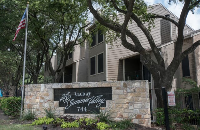 The Club at Summer Valley - 744 W William Cannon Dr, Austin, TX 78745