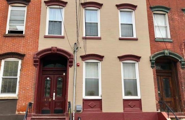 149 GRAND ST - 149 Grand St, Jersey City, NJ 07302