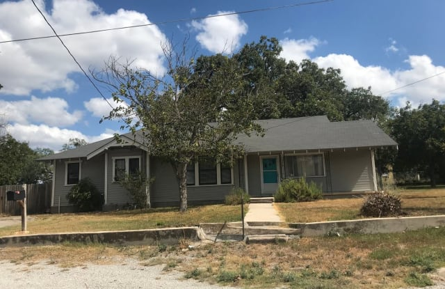 1301 Taylor Street - 1301 Taylor St, Lampasas, TX 76550