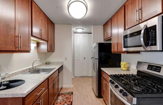 Manor Royal Apartments - 3930 Lancaster Ln N, Plymouth, MN 55441