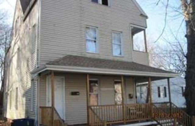 46 wood St 2 - 46 Wood Street, Waterbury, CT 06704