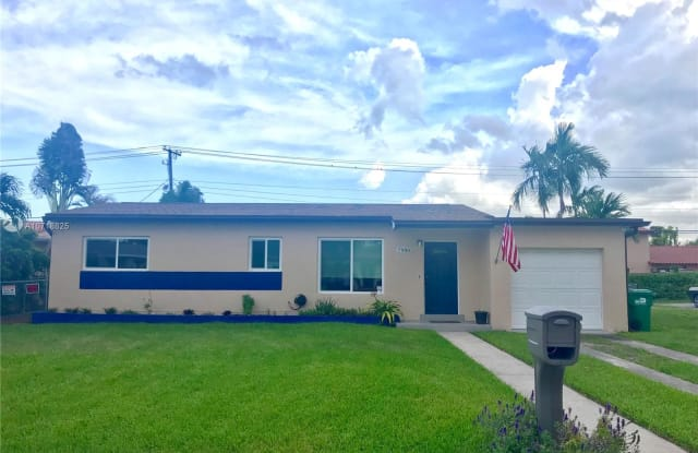 7980 SW 37 Ter - 7980 SW 37th Ter, Westchester, FL 33155