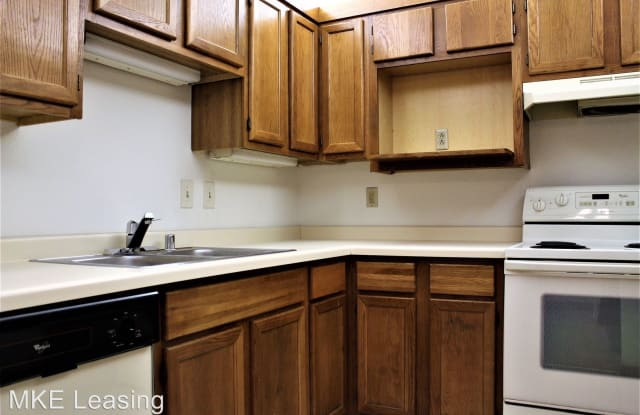 4848 N Lydell Ave 101 - 4848 North Lydell Avenue, Glendale, WI 53217