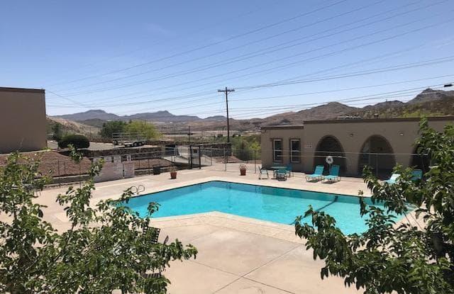 Wallington Plaza - 200 Wallington Dr, El Paso, TX 79902