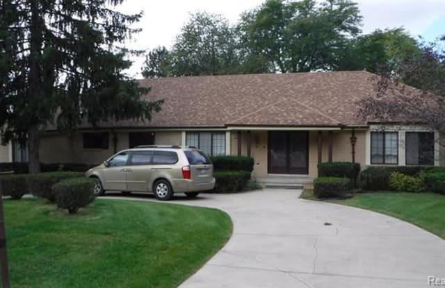 5018 LAKE BLUFF Road - 5018 Lake Bluff Road, Oakland County, MI 48323