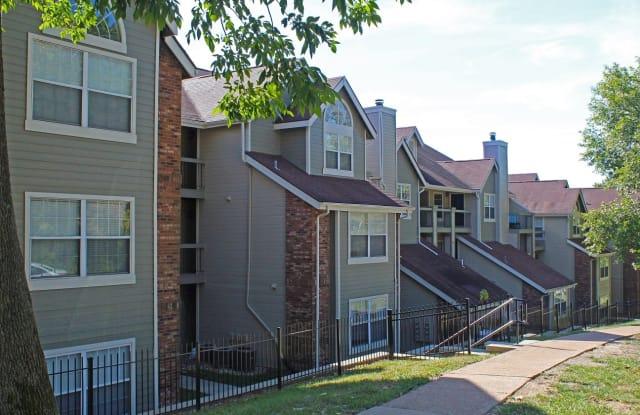 Hunter's Ridge Apartments - 5625 Hunters Valley Ct, Oakville, MO 63129