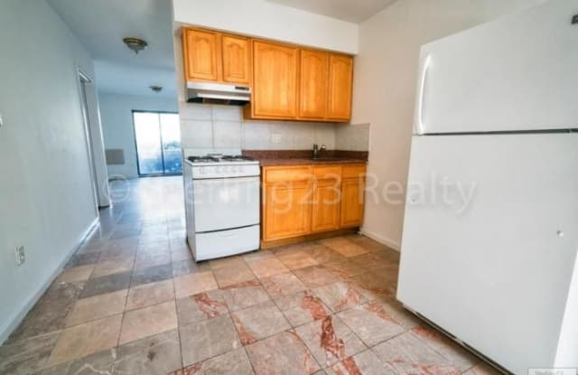 35-18 31ST ST. - 35-18 31st Street, Queens, NY 11106
