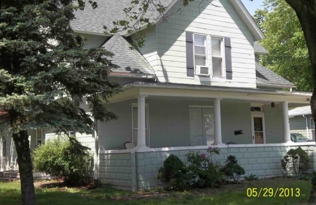 232 W Pierce St - 232 West Pierce Street, Macomb, IL 61455